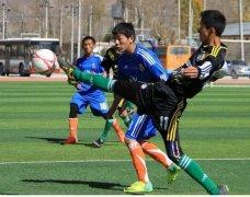 学校足球比赛